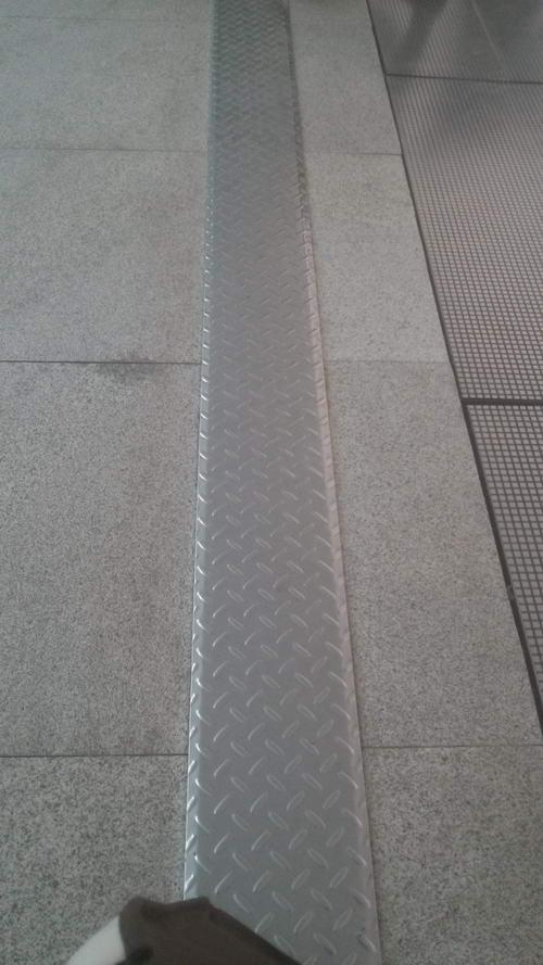 沈阳地铁站盖板型花纹防滑钢板